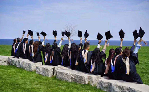 大学刚毕业就去考公务员,至少有4点好处!